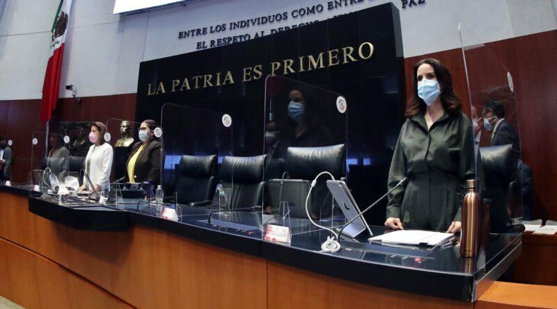 Forman grupo parlamentario independiente en el Senado