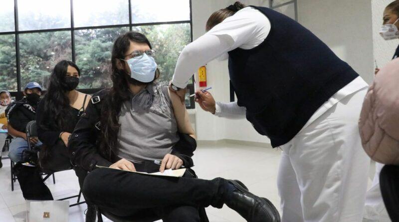 Completan vacunación 23 mil naucalpenses de 18 a 29 años, en primer día de aplicación